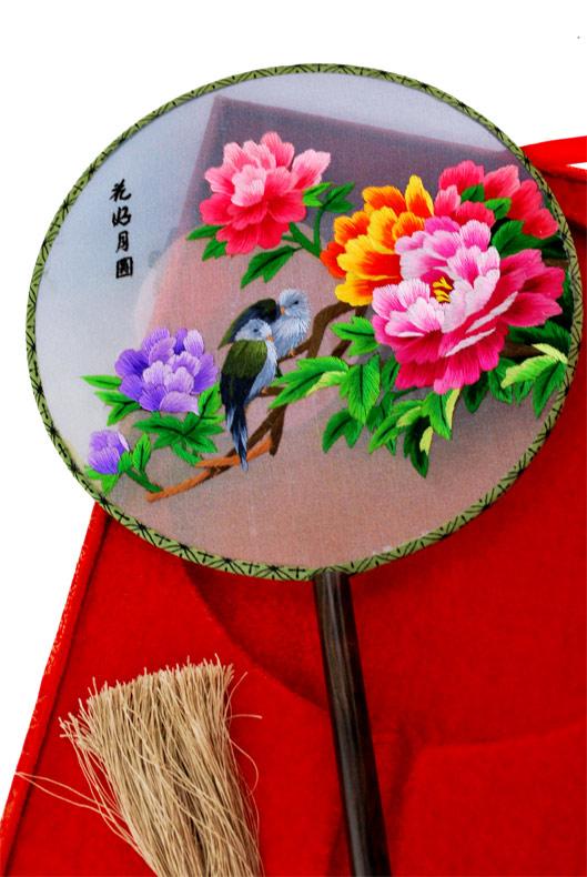 手工雕刻牡丹花扇子图片